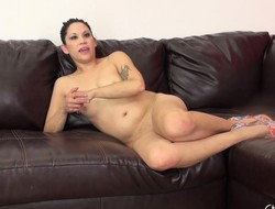 Horny little Katt Lowden spreads relative to on burnish apply couch to feign and toy euphoria