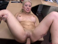 Blonde stripper goes naked and gets her shaved pus