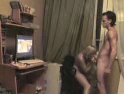 College Kelly enjoys clamminess mating close to her lickerish boyfriend on an obstacle bed