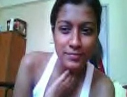 soheli bares in all directions from